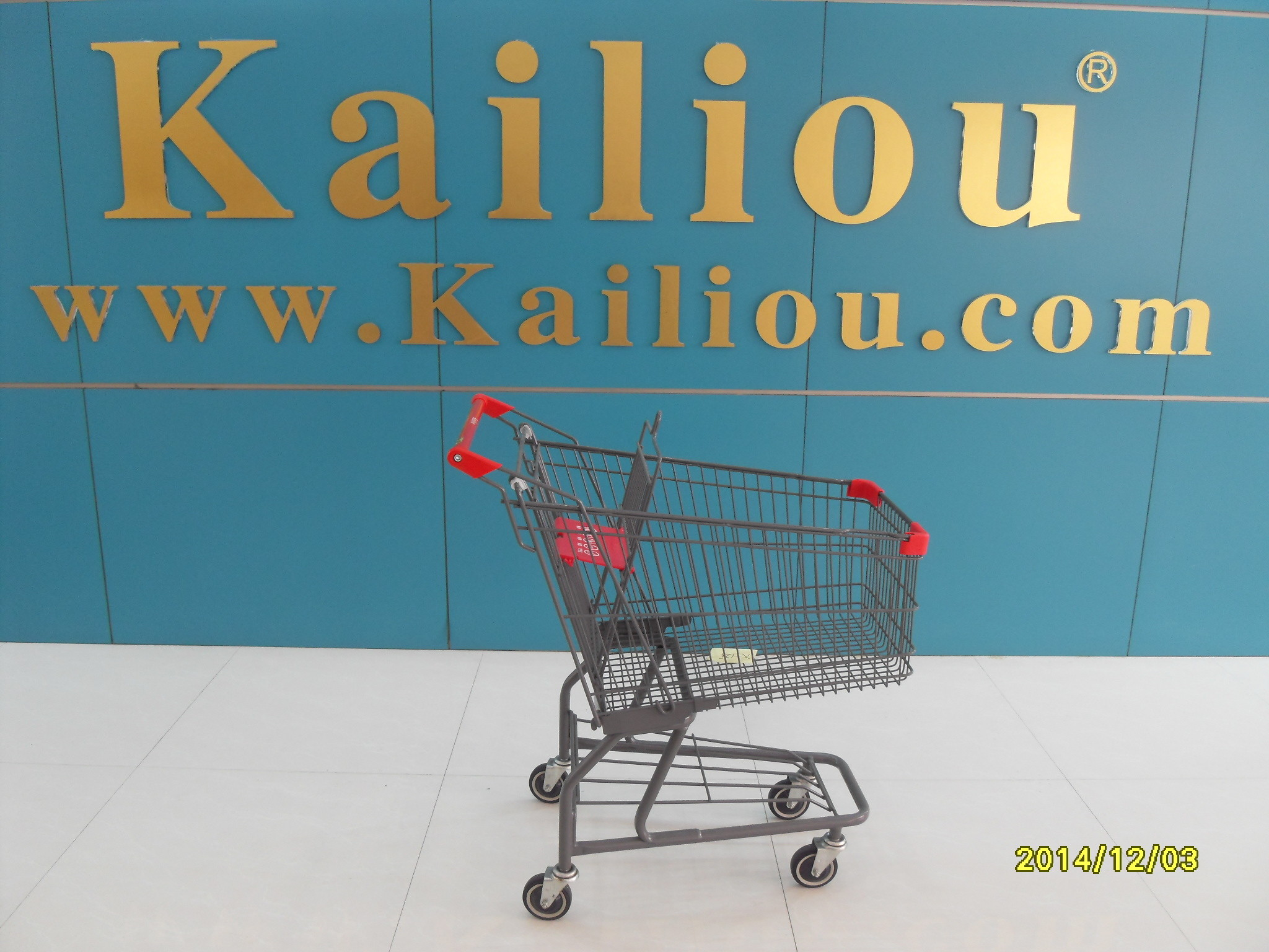 American Style Metal Supermarket 4 wheel shopping trolley with grey powder coating