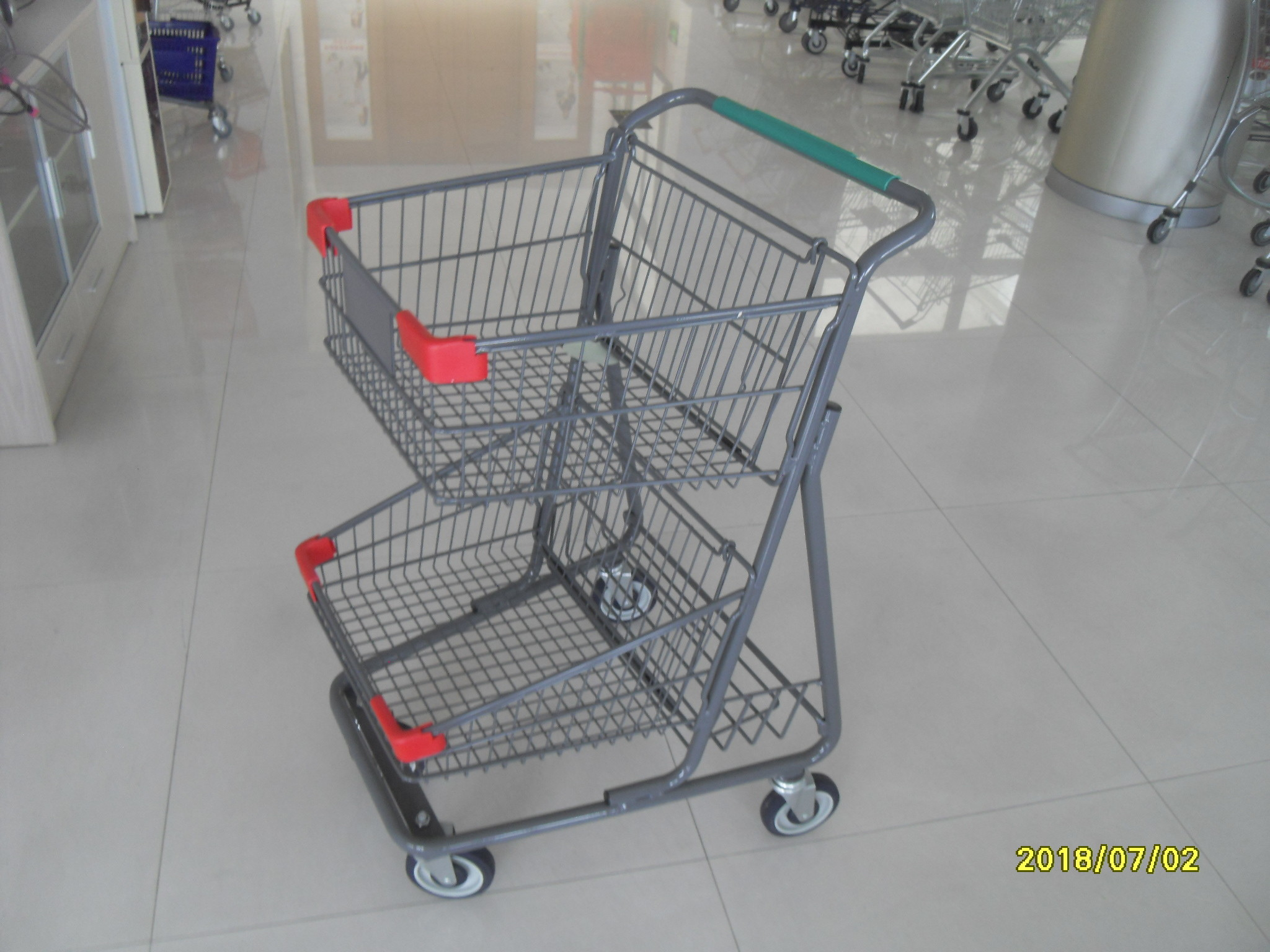 Two Deck Basket  Shopping Trolley Cart With Grey Powder Coating Surface Treatment