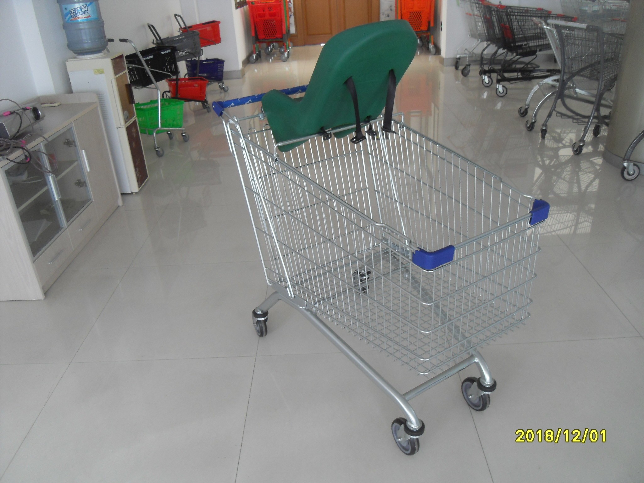 210L Baby Capsule Anti Theft Wire Grocery Pull Carts With Zinc Plating